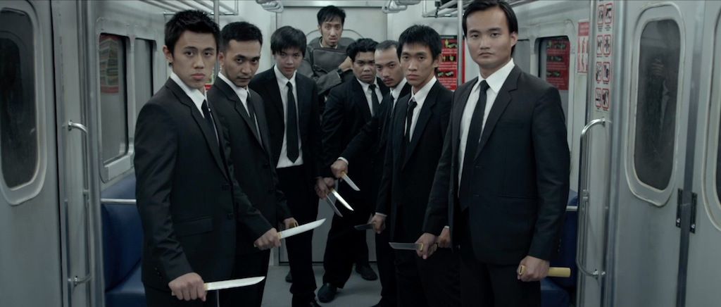 the-raid-2-berandal-movie-screenshot-train-fight