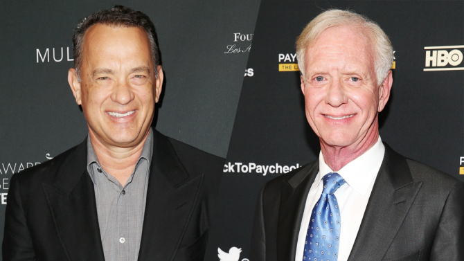 "Tom Hanks ve Kaptan Chesley ""Sully"" Sullenberger"