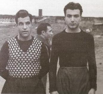 Memduh Ün, Baba Hakkı ile beraber Beşiktaş'ta futbol oynadığı yıllarda.