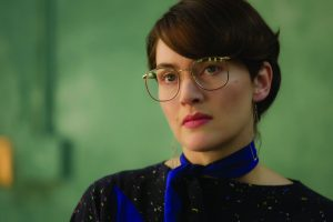 Steve-Jobs-15-Kate-Winslet-as-Joanna-Hoffman (1)