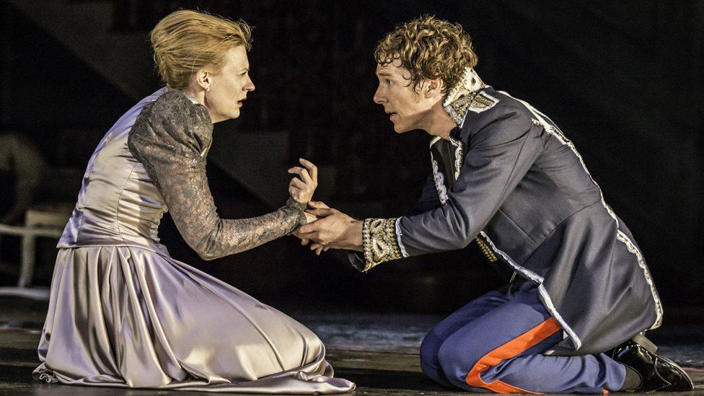 HAMLET by Shakespeare, , Writer - William Shakespeare, Director - Lyndsey Turner, Set design -Es Devlin, Lighting - Jane Cox, The Barbican, 2015, Credit: Johan Persson/