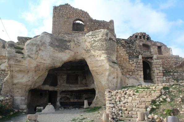 Mağara Evleri