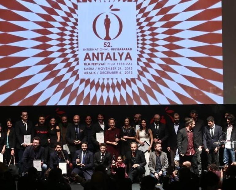 52. Antalya Film Festivali Ödülleri Dağıtıldı - Haberler - Fil'm Hafızası