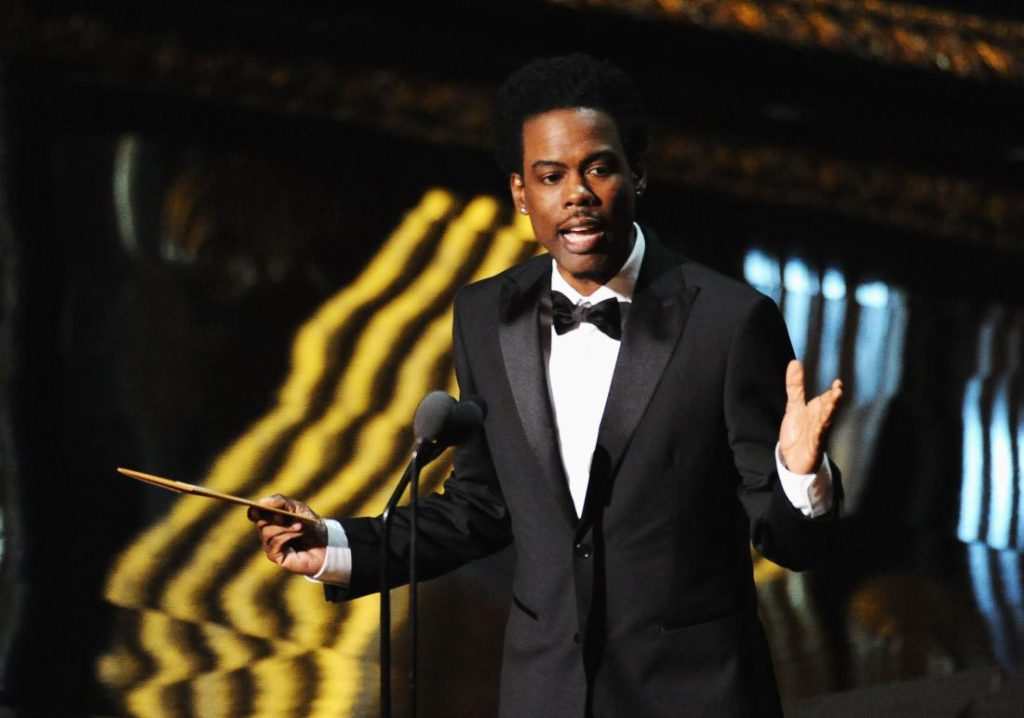 Gecenin sunucusu Chris Rock'un Akademiyi eleştiren konuşması uzun süre alkışlandı.